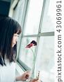 花生活女性肖像 43069961