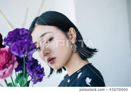 花生活女性肖像 43070000