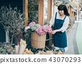花店的一名妇女 43070293