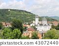 ถนนและโบสถ์ใน Sighisoara โรมาเนียยุโรป 43072440