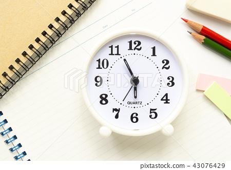學習時鐘教育 43076429