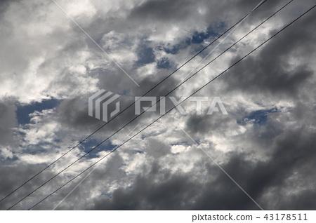 Sky and shamisen 43178511