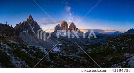 Mliky way over the Tre Cime, Dolomites, Italy 43194786