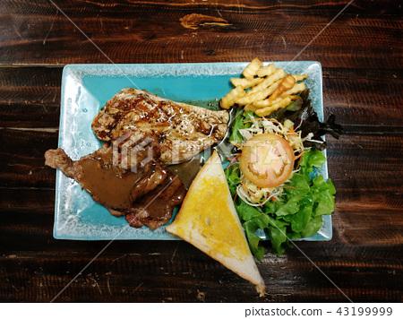 meat steak gravy sauce 43199999