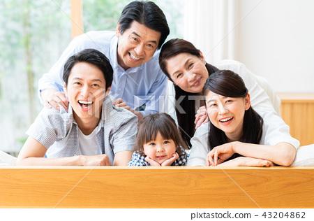 一個家庭 43204862