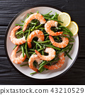Delicious shrimp salad with green beans 43210529