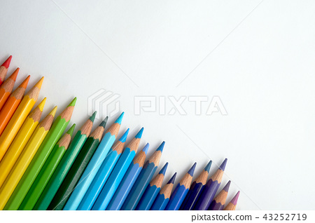 An image of colored pencils in various colors. 43252719