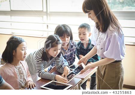IT教育的課堂場面 43255863