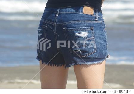 """Shorts"" 43289435"