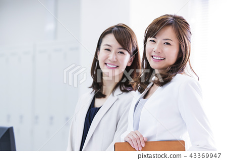 Business Woman Meeting Team Office Business Woman Office Casual 43369947