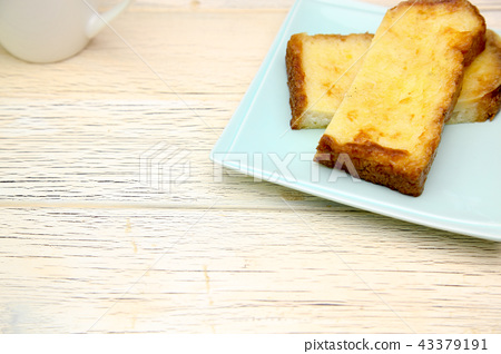 French toast 43379191
