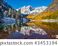 Fall color in Maroon Bells in Aspen, Colora 43453194