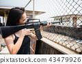 女性 女 枪 43479926