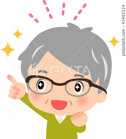 기쁨의 표정으로 손가락을 가리키는 수석 남성 43492224