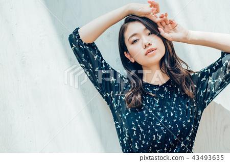 여성 인물 43493635
