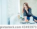 成熟的女人 一個年輕成年女性 女生 43493973
