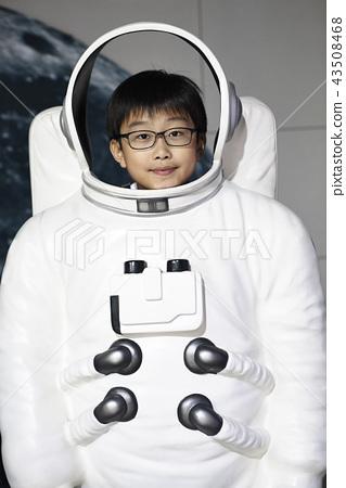 太空服的太空孩子 43508468