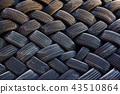 타이어 43510864