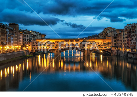 Night reflection of Ponte Vecchio 43540849