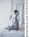 머리를 말릴 여성 · 목욕 가운 43543494
