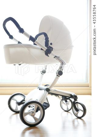 stroller 43558764