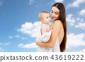 mother baby son 43619222