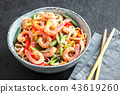 Stir fry with shrimps (prawns) and noodles 43619260