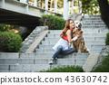 젊은여자, 개, 강아지, 애완동물, 골든 리트리버 43630742