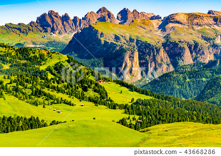 View of the limestone mountain of the Italian Alps 43668286