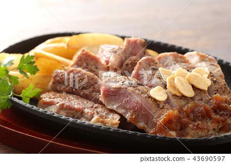 steak 43690597