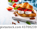 Sandwich croissant with goat cheese 43700239