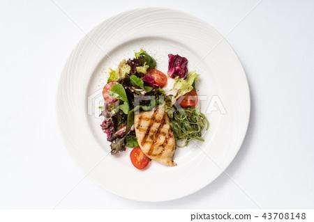 grilled calamari with salad 43708148