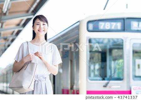 """ความร่วมมือในการถ่ายภาพระหว่างเดินทาง """"Keio Electric Railway Co. , Ltd. """" 43741337"""