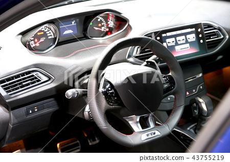 Car driver's seat 43755219