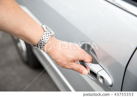 Open car door 43755353