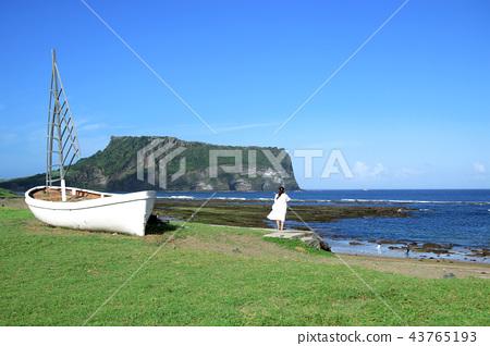 일출봉,광치기해변,배,바다,하늘 43765193
