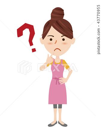 一個年輕成年女性 主婦 家庭主婦 43770955