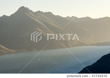 sunset over lake wakatipu 43788930