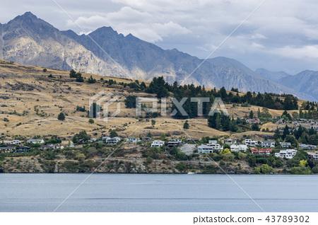 Lake wakatipu 43789302