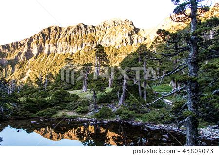 雪山翠池 43809073