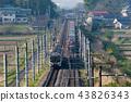 在清早东北干线横渡旅客列车的货车Kintaro 43826343