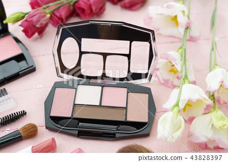 Cosmetic image 43828397
