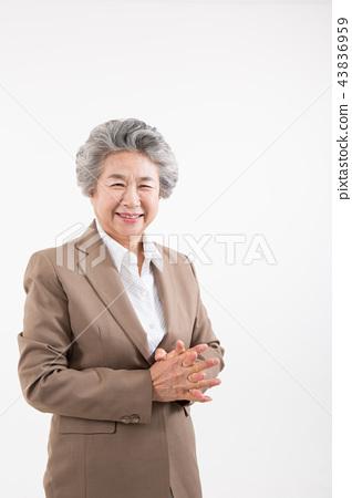 시니어 여성, 노인, 포트레이트 동작 43836959