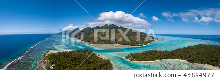 Moorea and tahiti island french polynesia lagoon  43894977