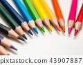 색 연필 43907887