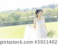 穿著婚禮禮服的新娘 43921402