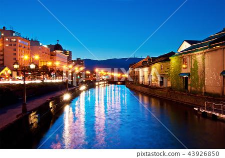 twilight at Otaru canals 43926850