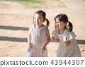 女孩兒童公園遊玩郊遊 43944307