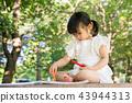 女孩兒童公園遊玩郊遊 43944313