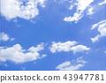 ท้องฟ้าสีฟ้าและเมฆ 43947781